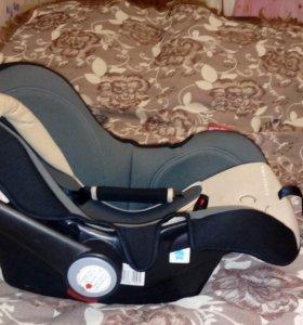 Автомобильное кресло-люлька