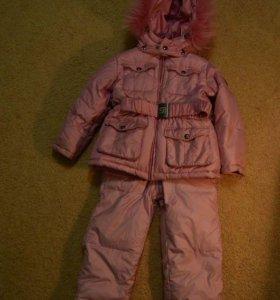 Продаётся детский зимний костюм (комбез+куртка)