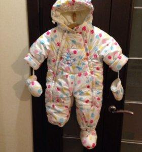 Детский зимний комбинезон для малышки.