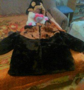 Детская мутоновая шубка и шапочка.