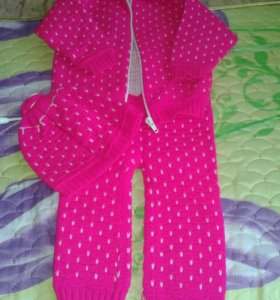 Теплый костюмчик для девочки