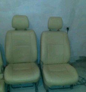 Сиденья от Toyota PRADO 120 кузов.