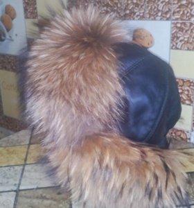 Меховая кожаная шапка (енот)