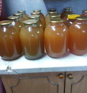 Яблочный сок выжатый