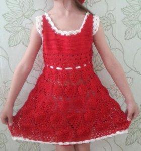 Ажурное платье и шапочка для девочки (возраст 4 -