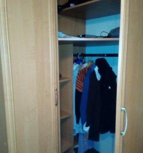 Продам угловой шкаф с пеналом