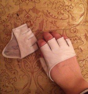 Перчатки для вождения