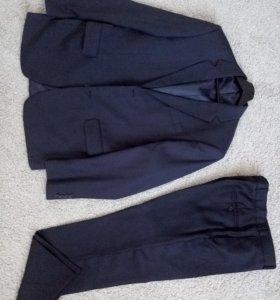 Мужской костюм темно-синий
