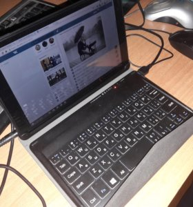 Планшетный компьютер QUMO Vega 8008W