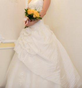 Свадебное платье 42-46 р на шнуровке
