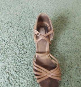 Латино-американские туфли
