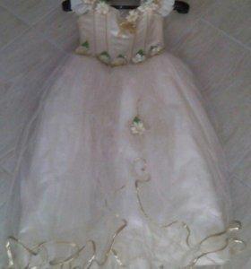 Платье для девочки,на новый год.