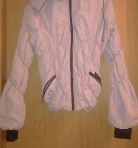 Куртка бежевая с капюшоном
