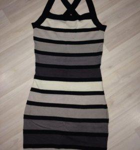 Платье S