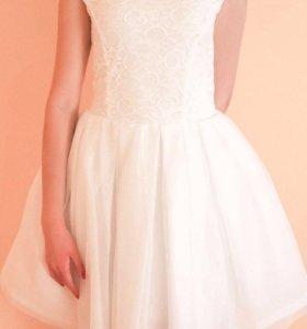 Платье с пышной юбочкой, 44