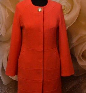 Стильное новое женское пальто