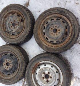 Штамповоные  диски тойота