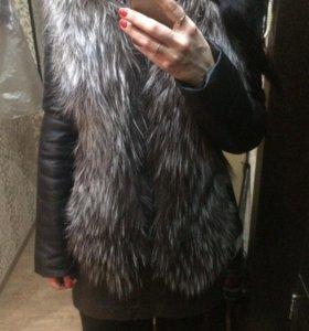 Куртка + жилетка с мехом 2 в одном.