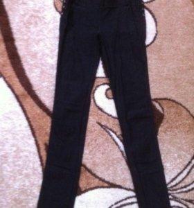брюки стрейч обтягивающие.