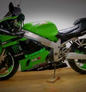 Мотоцикл Kawasaki ZX-7R Ninja 96'