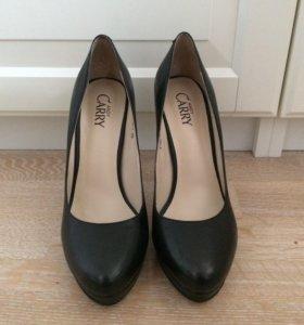 Туфли черные 39