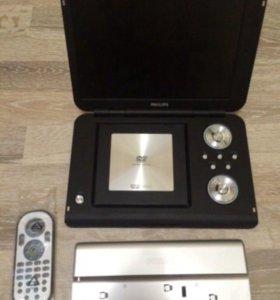 DVD-плеер портативный Philips PET 1002