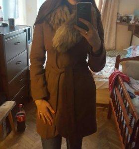 Пальто с воротником песец