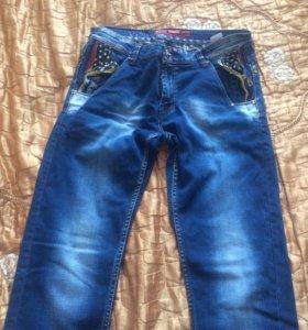 Продам мужские джинсы 34 размера и кроссовки 40 ра