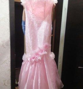 Шикарное платье на праздник)