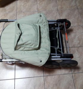 Детская складная коляска  состояние нового