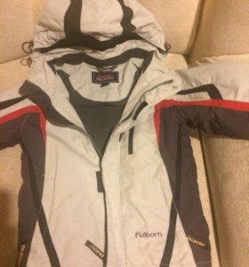 Куртка  деми с капюшоном 5-7 лет