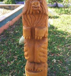 Медведь из кедра