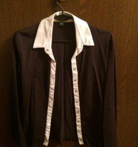 Женская черно-белая блузка на пуговицах