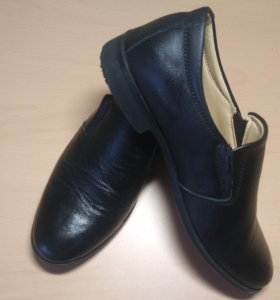 Кожаные туфли на мальчика 32р