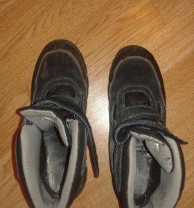 Ботинки зимние в отличном состоянии размер 37