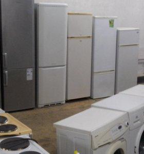 большой выбор холодильников б/у