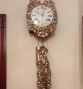 Часы в ассортименте. Антикварные.