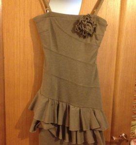 Стильное итальянское платье-сарафан на бретелях