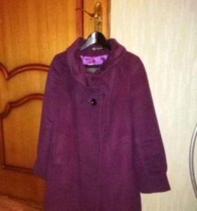 Демисезонное пальто 46р