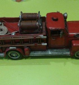 Пожарная машина железная