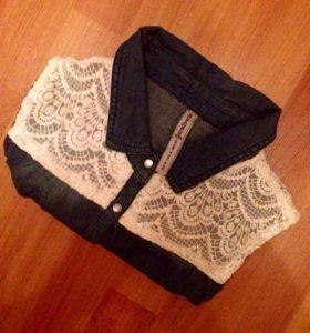 Рубашка джинсовая с кружевом STRADIVARIUS
