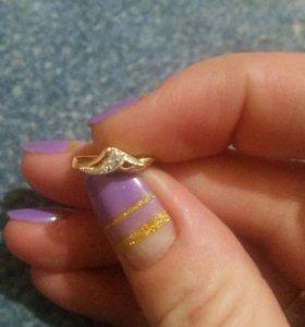 Кольцо и серьги золотые