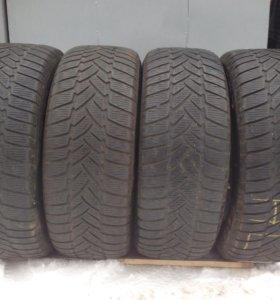 Зимние шины 255-55-R18 Dunlop