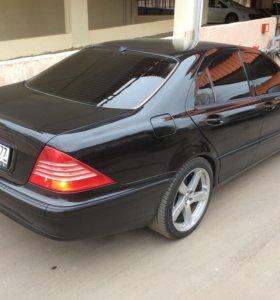 Мерседес S 220 / 3.7 год выпуска 2004