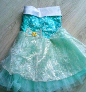 Нарядное платье на 4-5 лет