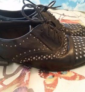 Ботиночки с клепками 38р