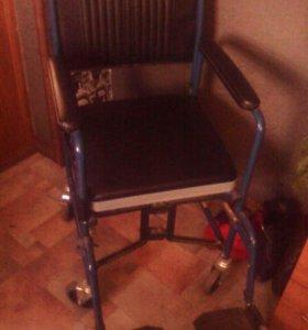 Инвалидная коляска для туалета