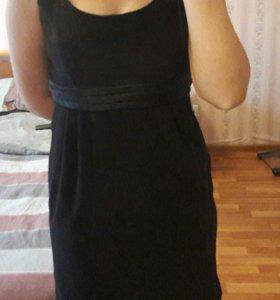 Черное велюровое(замшевое платье из befree
