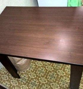 Кухонный стол и 2дивана к нему