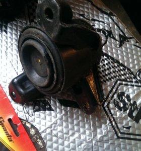 Птдушка двигателя правая хендай солярис